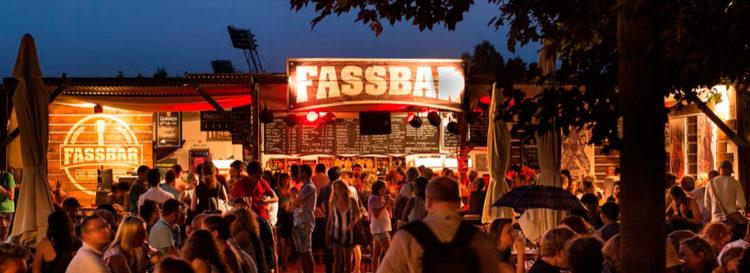 Mixed Pickers bei der FassBar am Tollwood